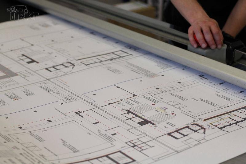 Plakatai spausdinti plačiaformate spauda