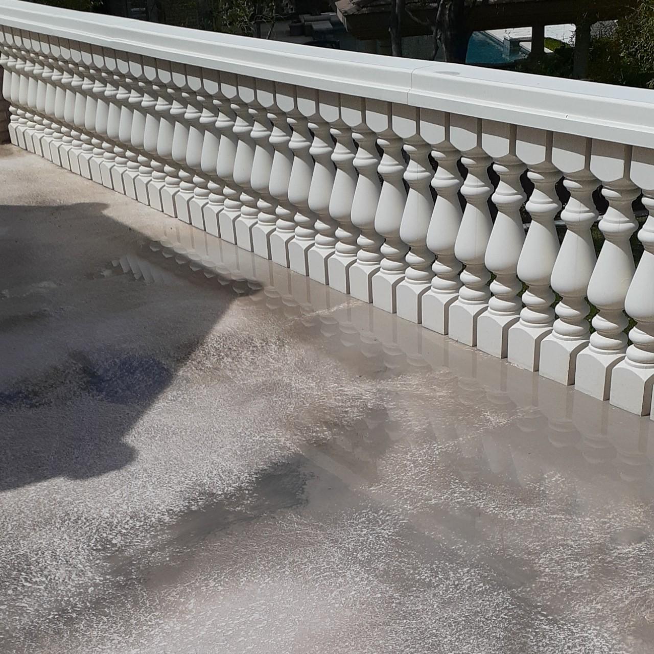 concrete-balcony-deck-restoration--cleaning-03