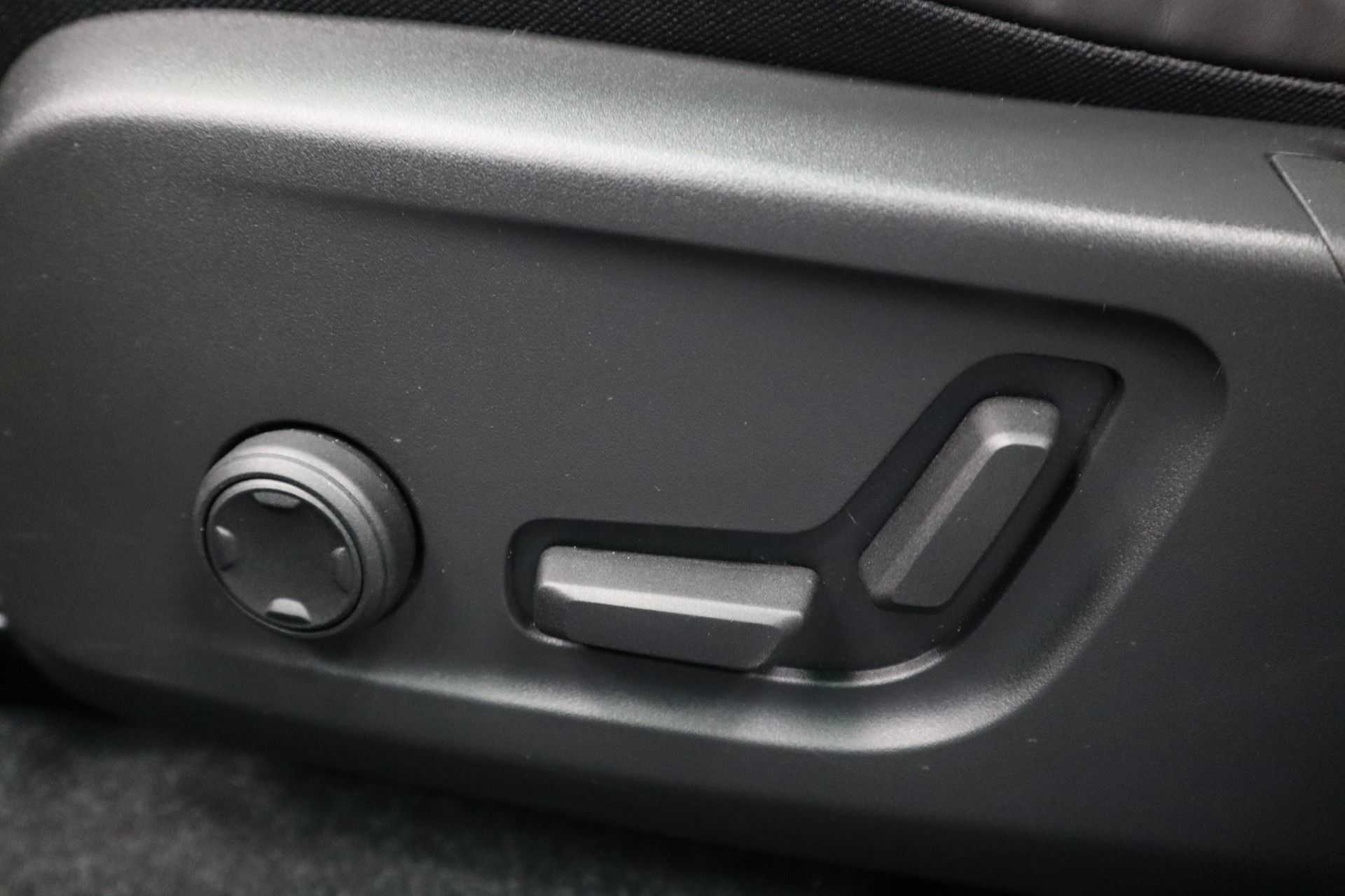 "Volvo XC40 Recharge P8 AWD R-Design EX BTW! Panoramadak 360 Camera 20""LM 8% Bijtelling Direct Leverbaar afbeelding 26"