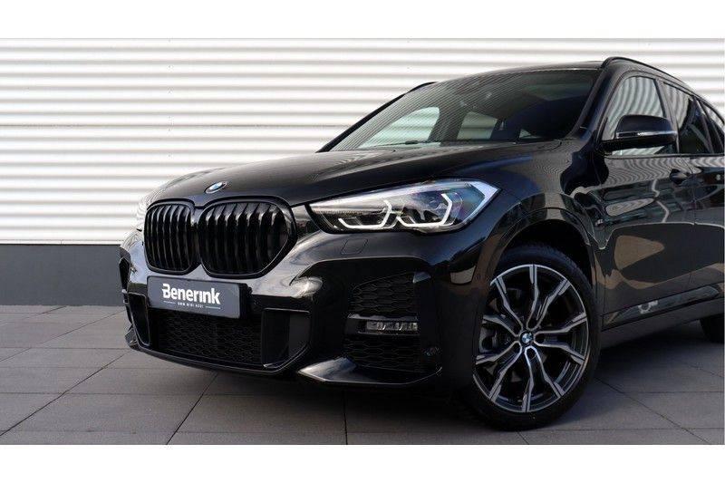 BMW X1 xDrive20i High Executive M Sport Panoramadak, Head Up Display, Trekhaak afbeelding 18