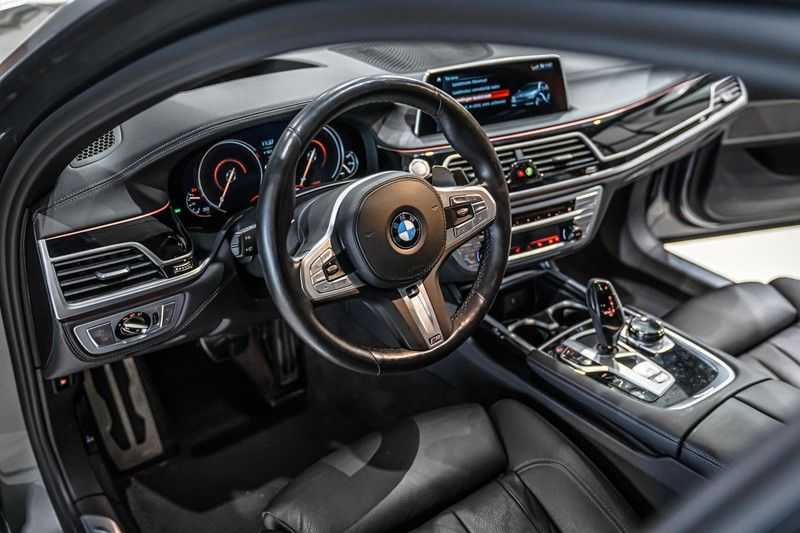 BMW 7 Serie 740e iPerformance M sport | €49.000,- Ex BTW| NP€135.000,-| Massagestoelen | Soft close | 20 inch | Surround view | Harman kardon afbeelding 5