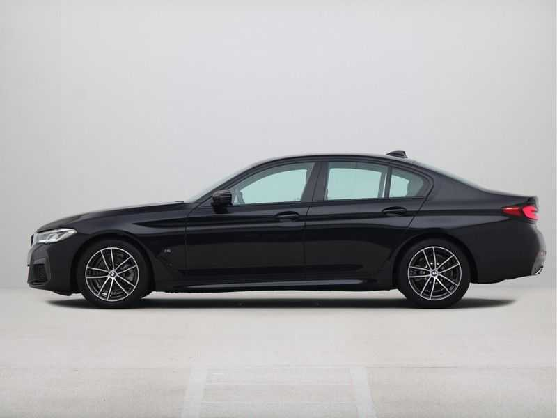BMW 5 Serie Sedan 520i High Executive M-Sport Automaat afbeelding 12