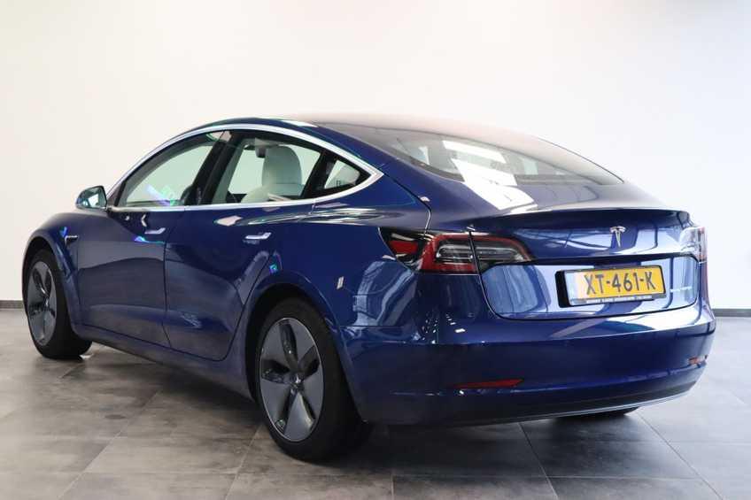 """Tesla Model 3 Long Range EX BTW 4% Bijtelling Navi Leder 18""""LM Blauw wit afbeelding 3"""