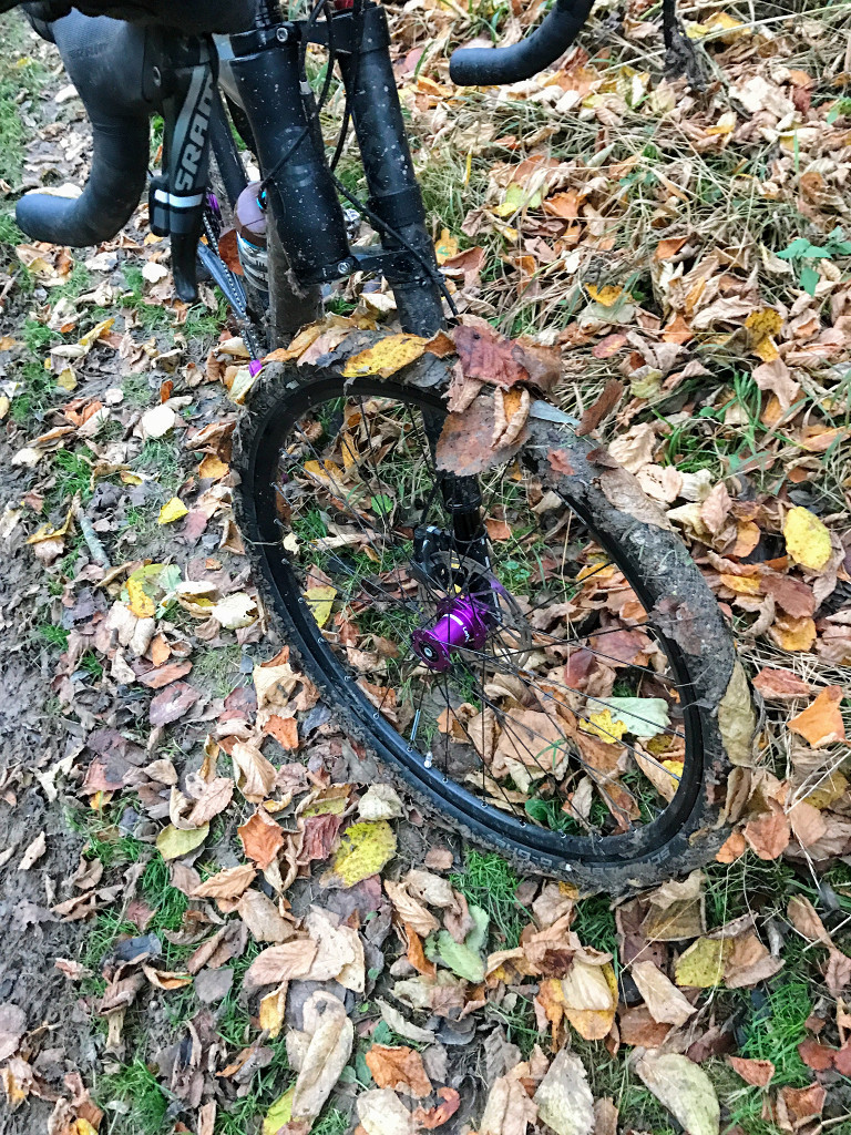 One of the advantages of the Lefty Fork, it doesn't get blocked even when caked up with mud