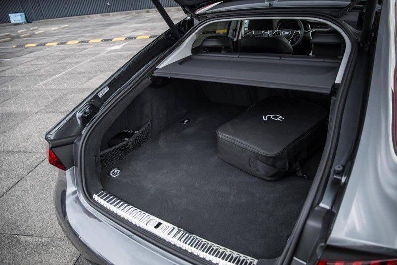 Audi A7 Sportback 55 TFSI e 367 pk Quattro Competition | Verlengde garantie | 2 x S-Line | Nachtzicht-assistent | panorama dak | Head-up display | Trekhaak | 360 camera | Stoelverwarming vóór en achter | afbeelding 22