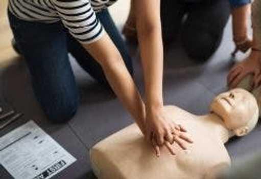 Masajul cardiac – Cât de important este să cunoaștem tehnica de prim ajutor!