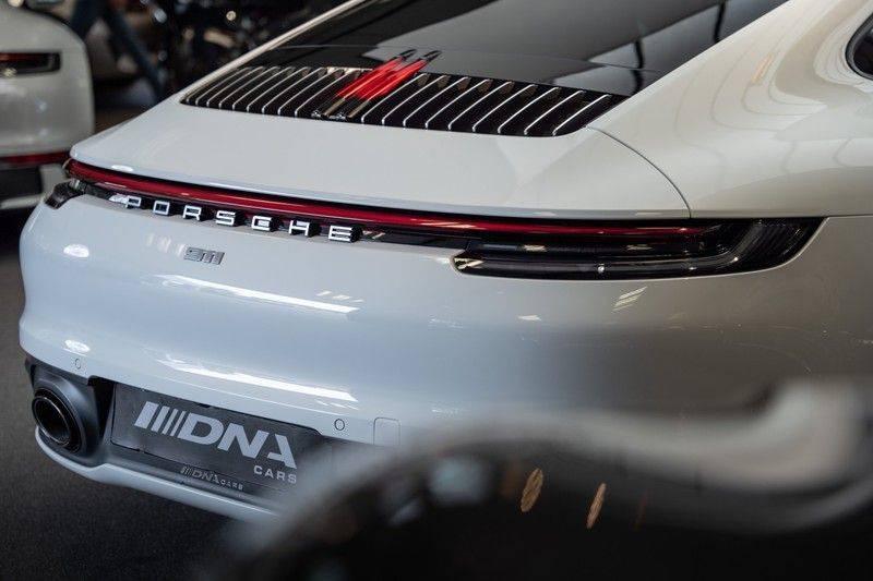 Porsche 911 992 4S Led Matrix Lift Ventilatie PDCC Sport Chrono Alcantara Hemel 3.0 Carrera 4 S afbeelding 13