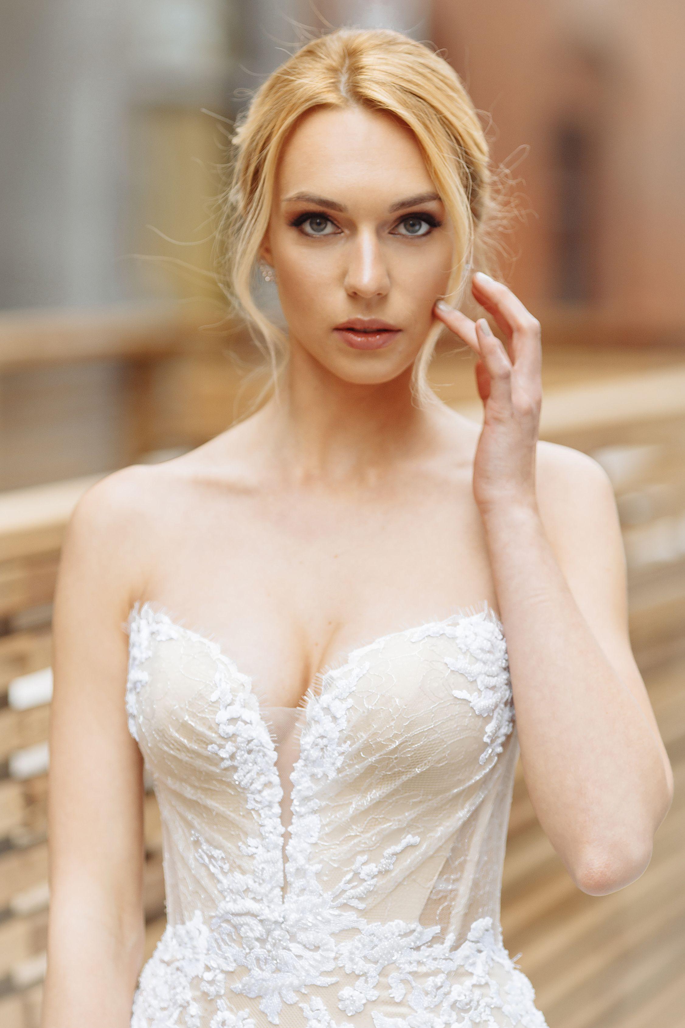 lilia haute couture robe de mariee en soie bustier transparent