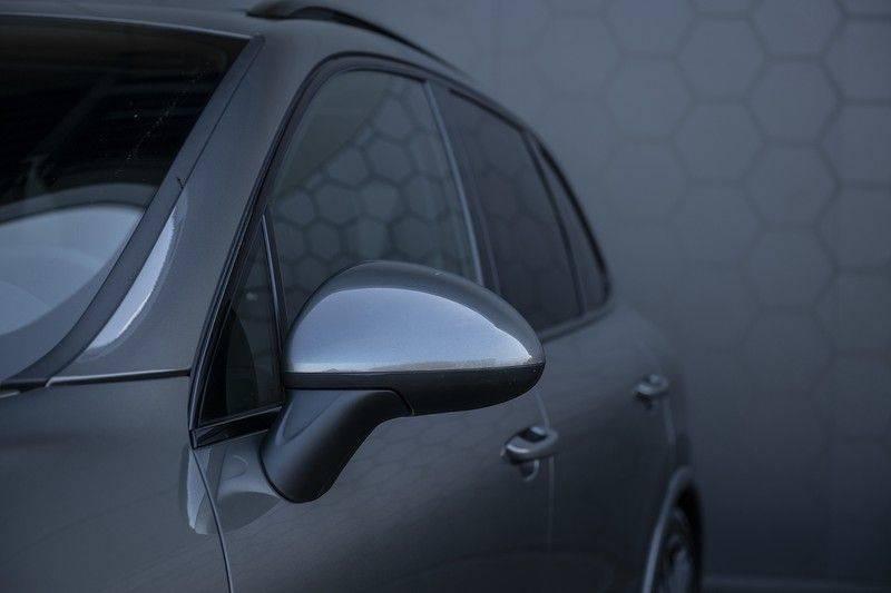 Porsche Cayenne 3.0 D Platinum Edition Org. Ned. + Dealer onderhouden + Sportchrono + Stuur/ Stoel verwarming+ Stoel koeling + Bose afbeelding 13