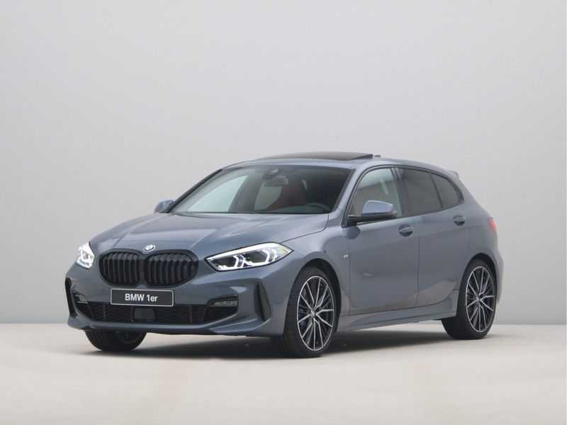 BMW 1 Serie 118i 5rds High Exe M-Sport Aut. afbeelding 1