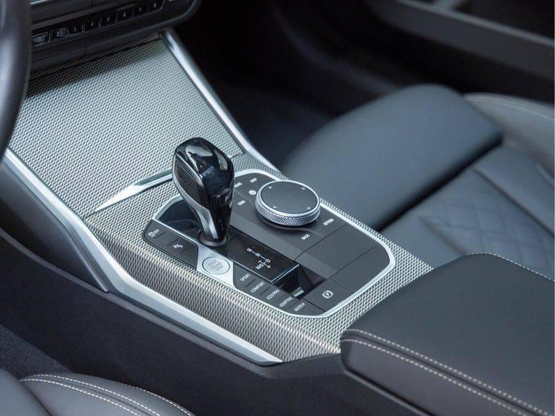 BMW 3 Serie Touring M340i xDrive Individual - Head-up - ACC - Harman Kardon - Panorama afbeelding 20