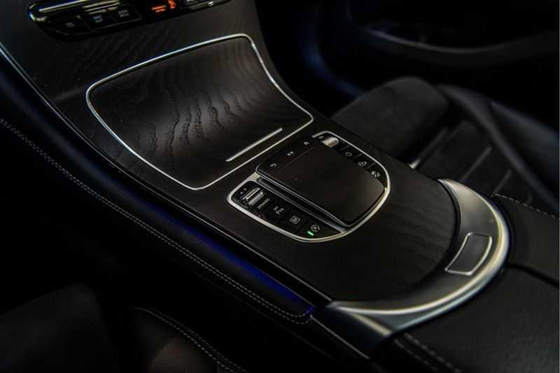Mercedes-Benz GLC Coupé 300 4MATIC   360° camera   Panorama   Widescreen   Keyless afbeelding 16
