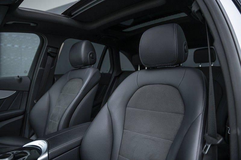Mercedes-Benz GLC 350d AMG 4MATIC Premium Plus GLC Apple CarPlay + Verwarmde stoelen + Elektrische trekhaak + Panorama Dak afbeelding 5
