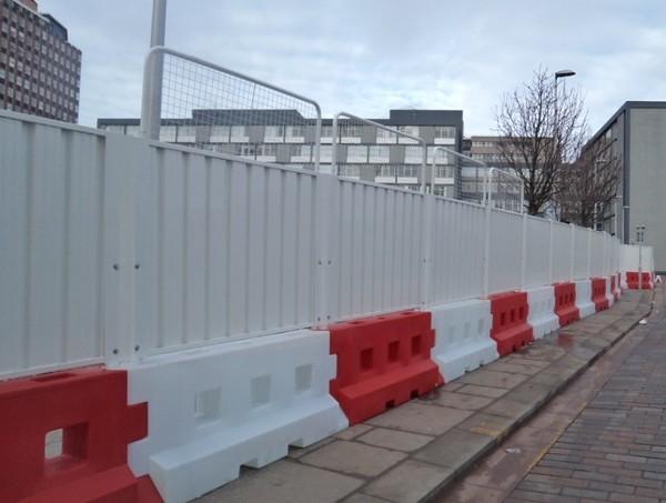 GB2 Barrier Hoarding 2