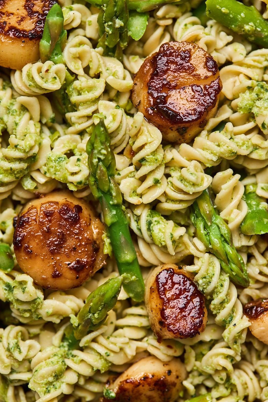 Pea Pesto Pasta With Seared Scallops