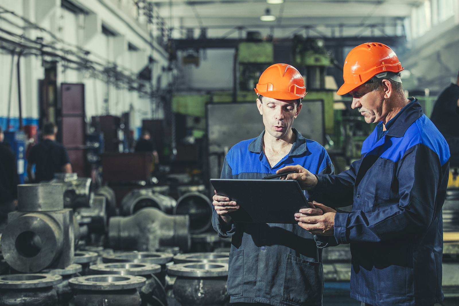 3 IoT Strategies for Improving Your Manufacturing Processes with Maintenance Connection - Main