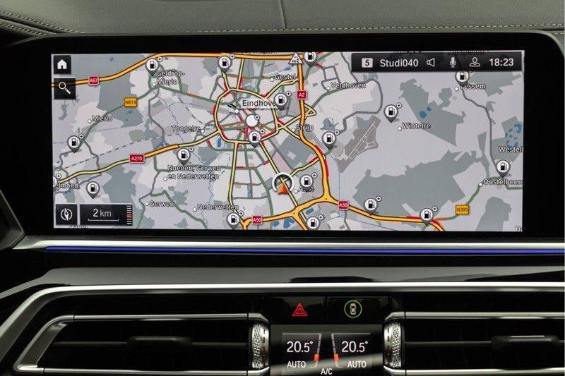 "BMW X5 M40i xDrive 340pk Panoramadak VirtualCockpit ShadowLine Sportleder+Memory Head-Up HarmanKardon Luchtvering Laserlicht AmbientLight Keyless Sportuitlaat 22"" 360Camera ParkAssist Pdc afbeelding 4"