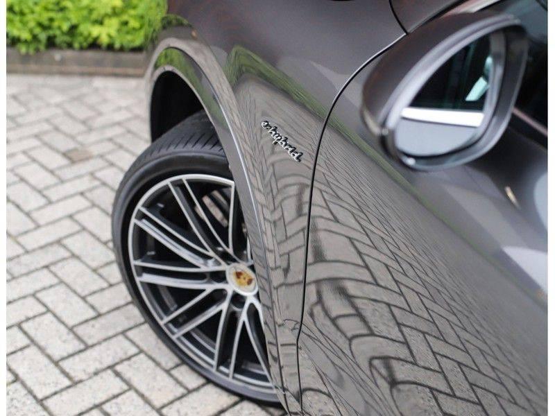 Porsche Cayenne Coupé 3.0 E-Hybrid *Sport Design*Pano*Soft-Close* afbeelding 13