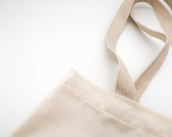 What's best: Totebags, Plastic- or Paperbags?