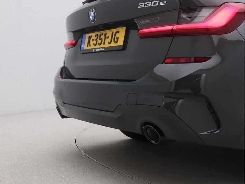 BMW 3 Serie Touring 330e High Executive M-Sport Automaat afbeelding 22