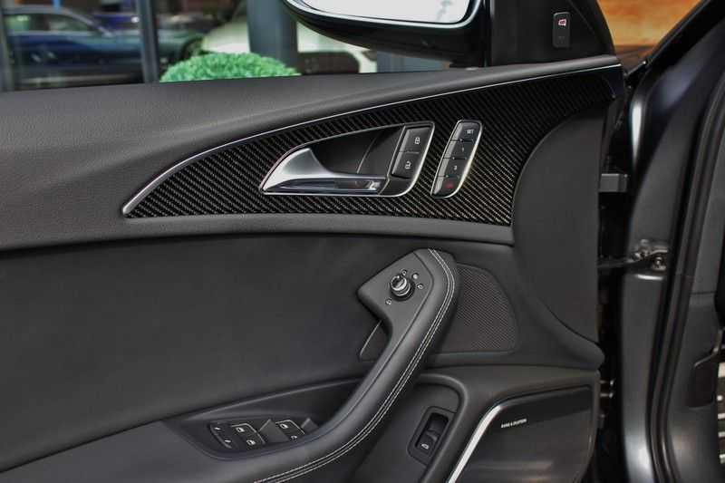 Audi RS6 4.0 V8 560pk Quattro **Carbon in.ext./HUD/Pano.dak/ACC/Bang.Olufsen** afbeelding 12