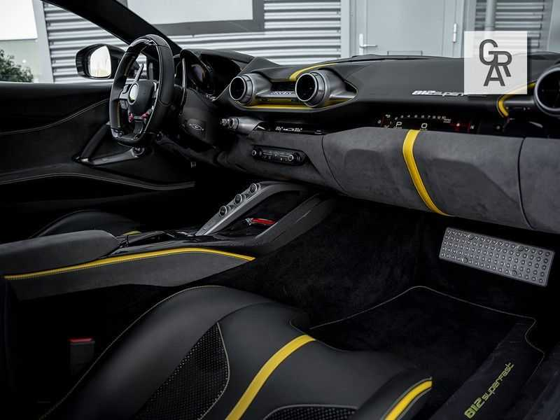 Ferrari 812 Superfast 6.5 V12 HELE   Daytona Carbon Seats   Lift   afbeelding 14