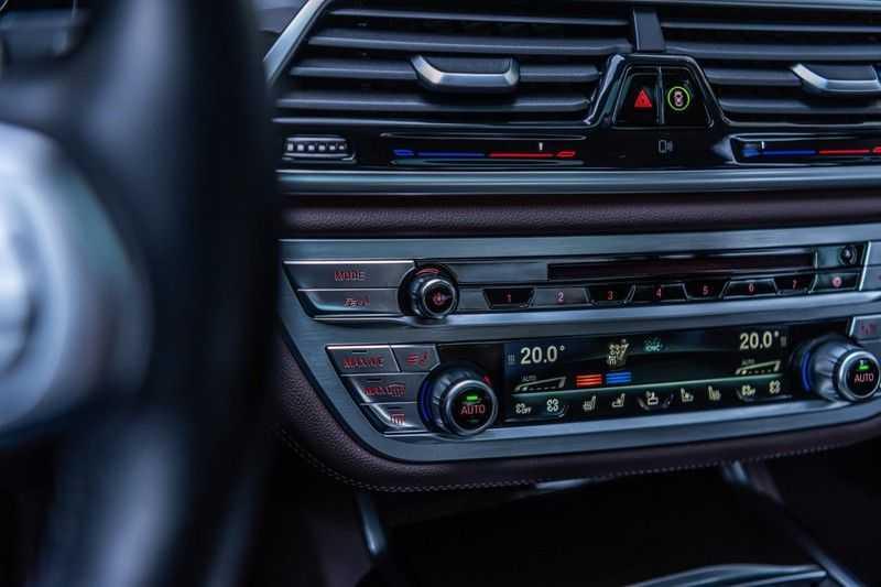 BMW 7 Serie 750i xDrive High Executive, 450 PK, Schuifdak, Gesture Control, Display/Key, Massage, Head/Up, Surround view, 56DKM!! afbeelding 15
