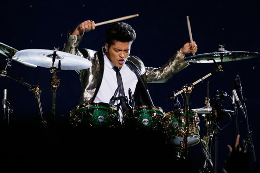 Bruno-Mars-Super-Bowl-XLVIII.jpg