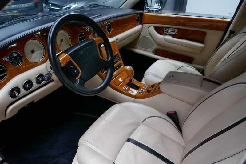 Bentley Arnage 6.8 V8 T Mulliner LWB (1 van 95 st) Youngtimer . afbeelding 16