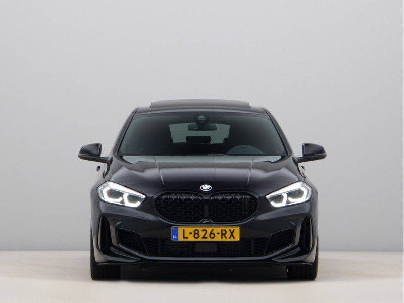BMW 1 Serie M135i xDrive High Executive afbeelding 6