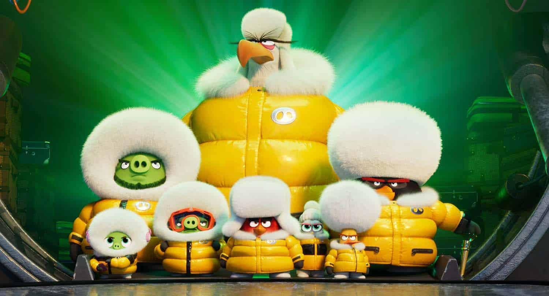 Cena com diversos personagesn de Angry Birds 2 O Filme