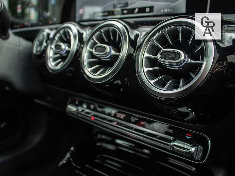 Mercedes-Benz A-Klasse A35 AMG AKRAPOVIC 4MATIC Advantage 370 PK afbeelding 21