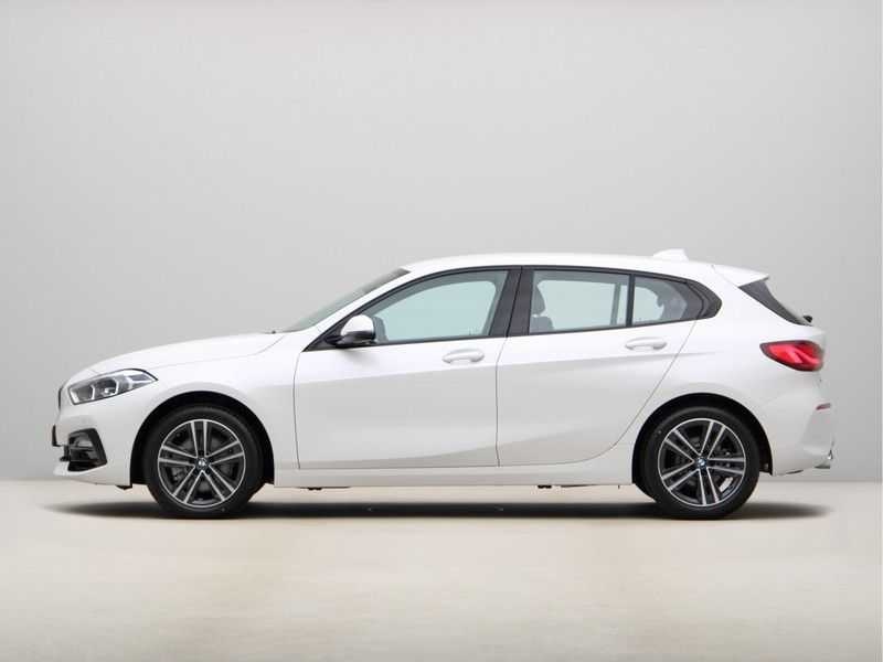 BMW 1 Serie 118i High Executive Edition Sport Line afbeelding 17