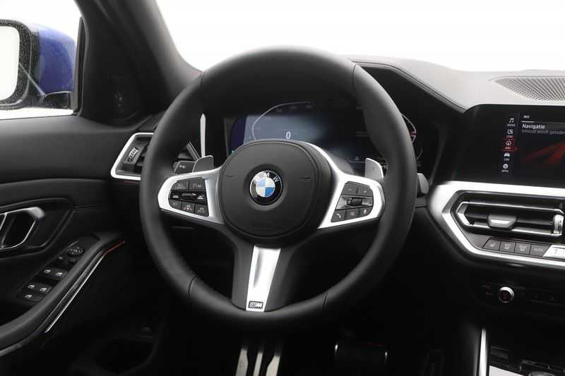 BMW 3 Serie 330i Touring High Executive M-Sport Automaat afbeelding 3