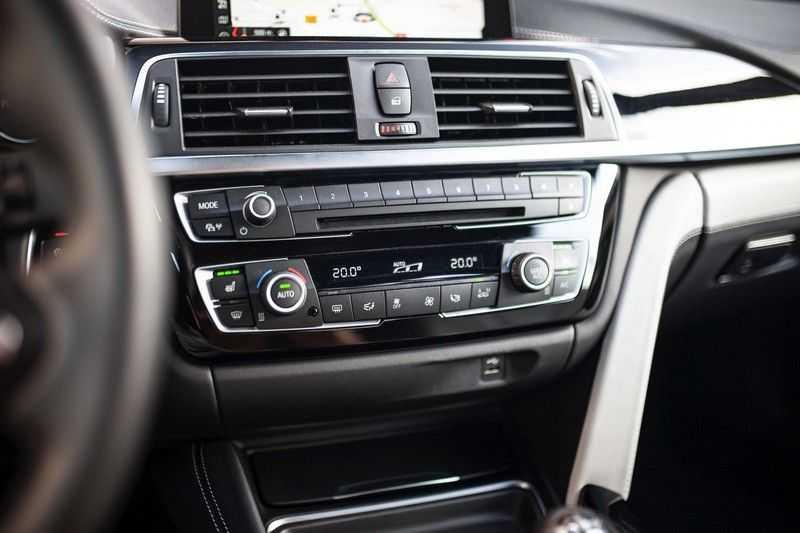 "BMW M4 Cabrio *Handgeschakeld / M-Sportuitlaat / Memory / HUD / 19"" / H&K* afbeelding 12"