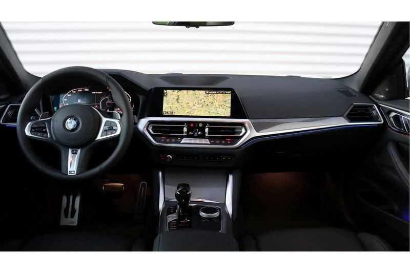 BMW 4 Serie Coupé M440i xDrive High Executive Harman/Kardon, Head Up Display, Schuifdak afbeelding 9