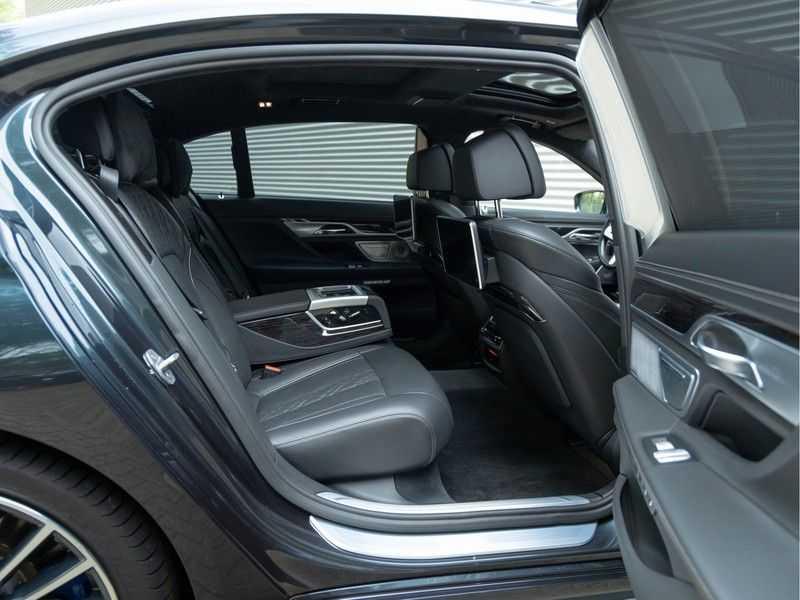 BMW 7 Serie M760Li xDrive - Bowers & Wilkins Audio - Night Vision - Entertainment Professional afbeelding 22