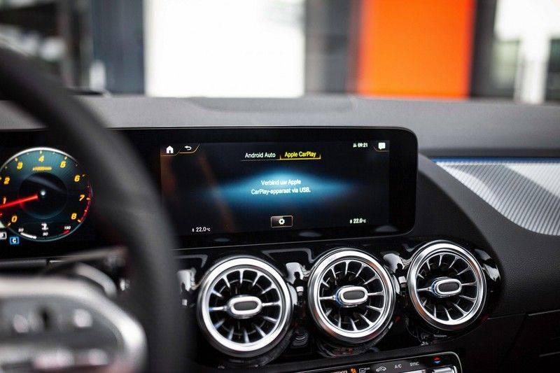 Mercedes-Benz GLA 200 AMG Line *Pano / HUD / Memorystoelen / 360 Cam / Burmester* afbeelding 16