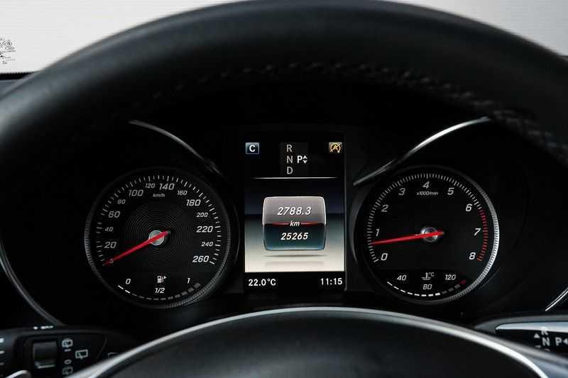 Mercedes-Benz GLC 250 4MATIC Sport Edition AMG Pano Trekhaak Camera 360° afbeelding 21