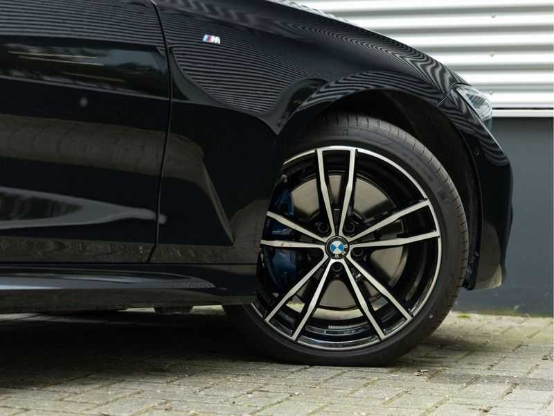 BMW 3 Serie Touring 330i M-Sport - Panorama - Trekhaak - Camera - Harman Kardon afbeelding 8
