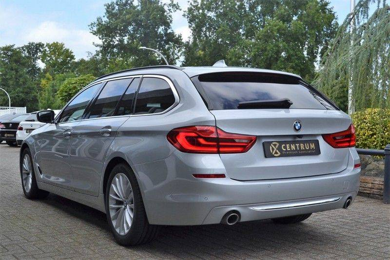 BMW 5 Serie 530i xDrive Luxury Line Facelift afbeelding 4