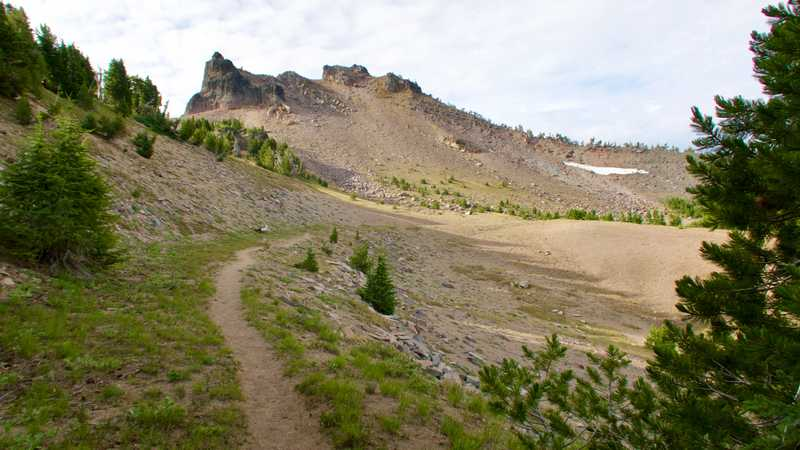 The PCT follows the ridge on the rim of Crater Lake