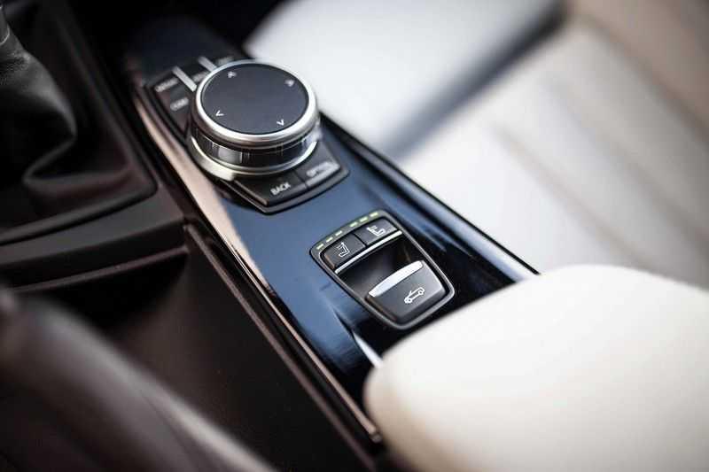 "BMW M4 Cabrio *Handgeschakeld / M-Sportuitlaat / Memory / HUD / 19"" / H&K* afbeelding 22"