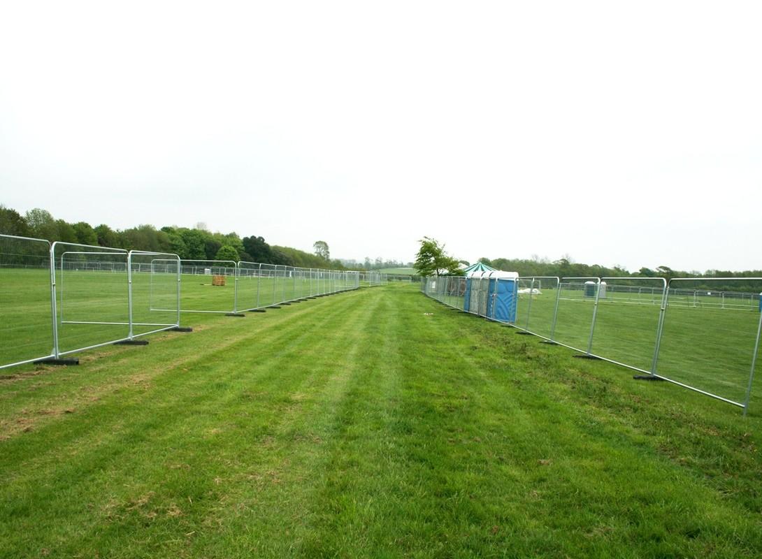 Heavy duty temporary fencing 2