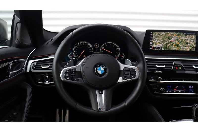 BMW 5 Serie M550i xDrive High Executive Head- Up Display, Schuifdak, Harman/Kardon afbeelding 10