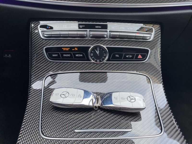 Mercedes-Benz E-Klasse Cabrio 350 AMG   Carbon   Burmester   360º   Night pakket afbeelding 22