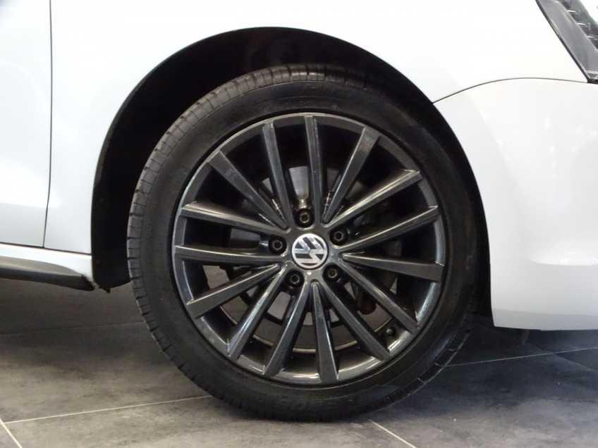 "Volkswagen Jetta 1.4 TSI Hybrid Highline Navigatie Xenon Clima Cruise 17""LM PDC Camera afbeelding 5"