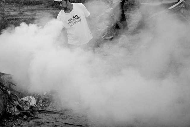 Fumes - Burning trash - photo by ROKMA