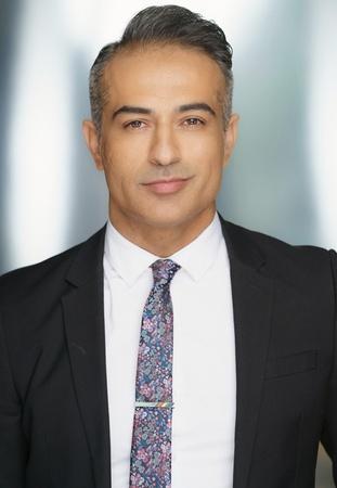 A. Ilyas Akbari, Abogado