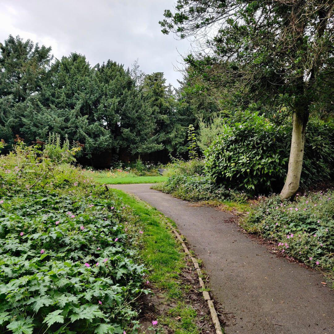 Horsforth Hall Park path
